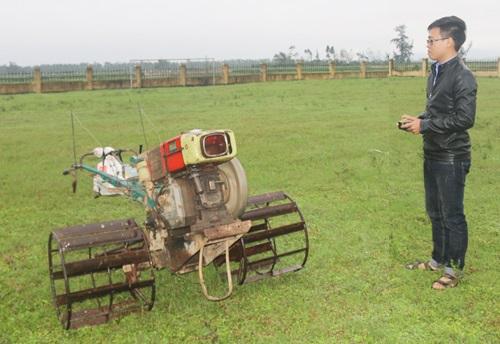 Máy cày không người lái có rất nhiều ưu điểm so với máy cày truyền thống